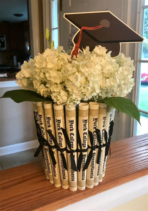 college graduation centerpiece party plans pinterest