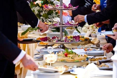 wedding reception food ideas top 8 finger foods to serve at your wedding reception