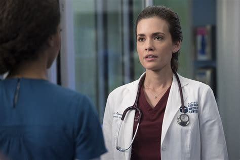 Liz Cox Barrett A Got The Gavel But Whats She Wearing by Chicago Med Preview Quot Theseus Ship Quot Photos Tv