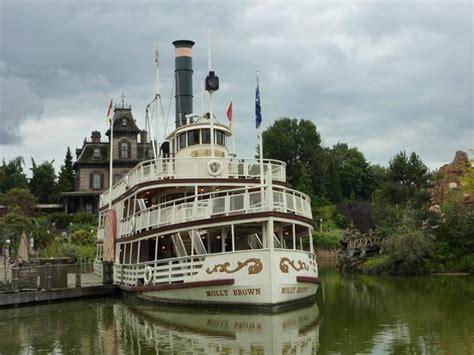 disneyland paris boat ride boat ride in frontierland fotograf 237 a de disneyland par 237 s