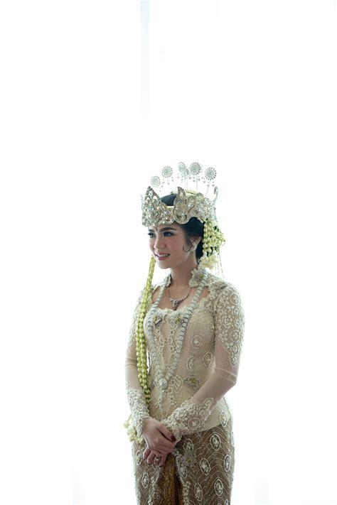 romantic javanese wedding  silmy  arya  wedding