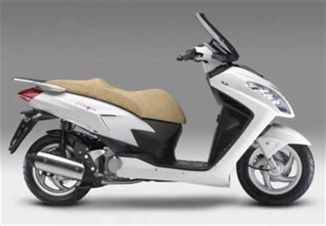 scooter pedana piatta malaguti il nuovo scooter della casa motociclistica