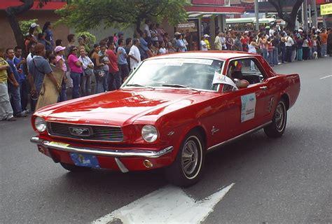 imagenes videos fotos file desfile de autos clasicos y antiguos 34 jpg