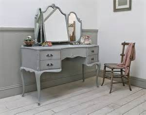 Retro Vanity Table These Vintage Home Decor Accessories Will Surely Add A Whole New Dimension To Your House