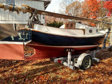 cape cod shipbuilding boat models 1975 17 ft catboat awlgrip capecod shipbuilding for sale