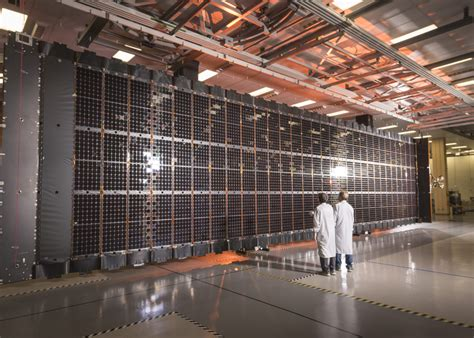 lockheed martin solar panel lockheed martin completes solar array for lm 2100