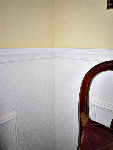 faux chair rail molding diy faux wainscoting in the dining room at the picket fence