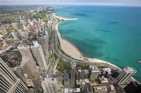 living on a boat in the great lakes what to do on chicago s lake shore drive chicago