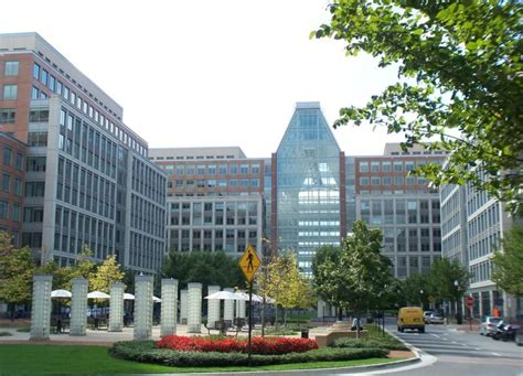 Us Patent Office by Uspto S New Chief May Be Former Lawyer Slashgear