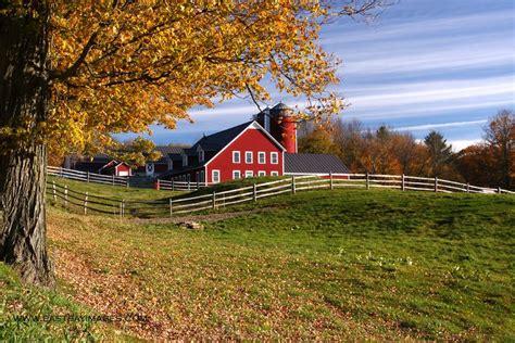 new england farmhouse new england fall foliage photo gallery
