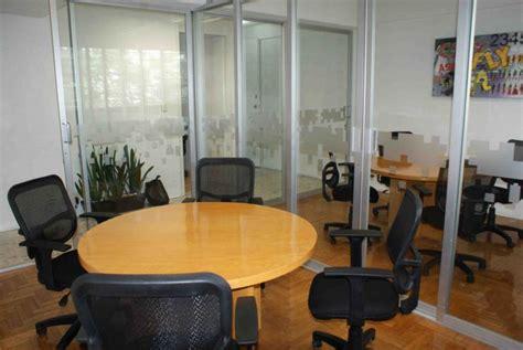 imagenes oficinas virtuales inmobiliaria aisa oficinas amuebladas con escritorio y