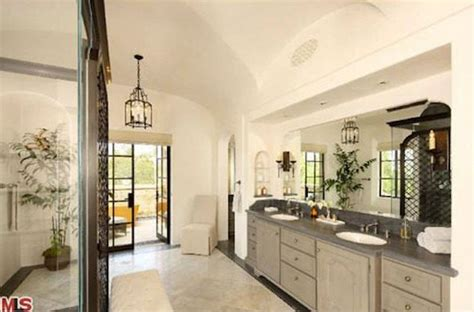 tom brady bathroom tom brady gisele bundchen house photos 019 480w my dream house pinterest hip hop