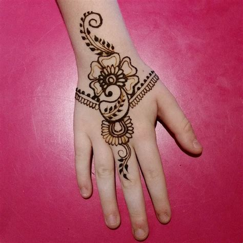 Decoration Henne by 1001 Id 233 Es Tatouage Henn 233 Ancestral Et Temporaire