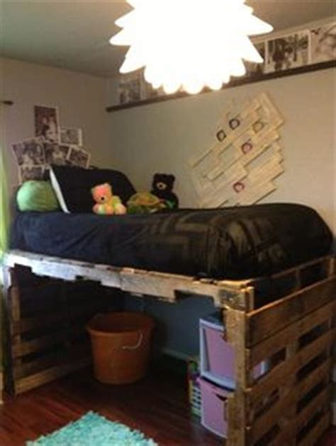 How To Make A Toddler Bed Out Of A Crib by Diy Pallet Bed Pallets Designs