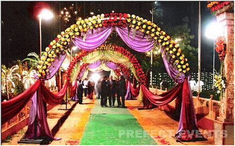 Indian Wedding Flower Decoration Pictures indian wedding decorations topix