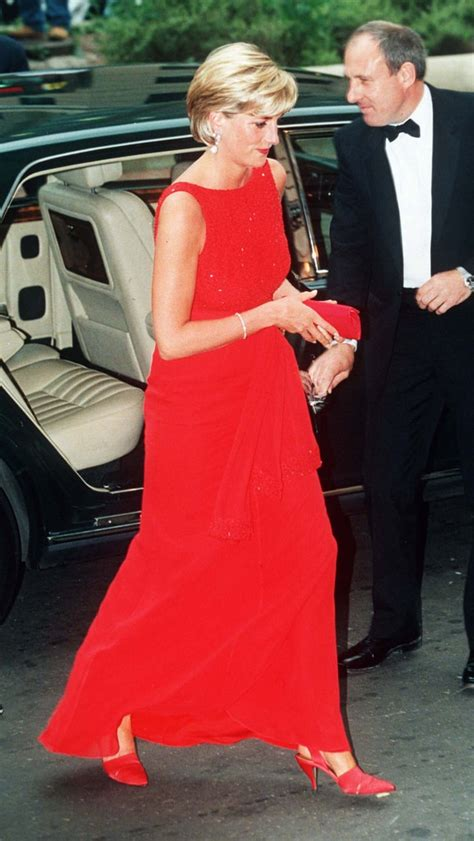 red cross dress iconic princess diana outfits