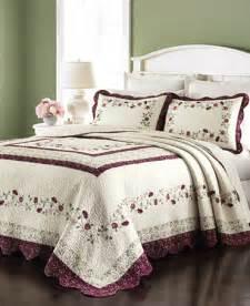 Shop Bedspreads Martha Stewart Collection Prairie House Bedspreads