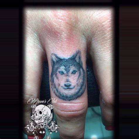 tattoo and piercing studio kuta wolf finger tattoo done at mason s ink kuta bali indonesia