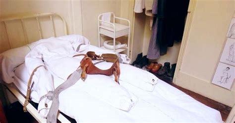 bed restraints ddr psychiatrie fixierbett mit zwangsjacke gdr psychiatry