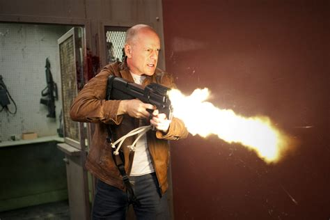 film action bruce willis review looper no spoilers fanboy confidential in