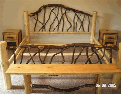 Log Wood Bed Frame 25 Best Ideas About Log Bed Frame On Pinterest Log Bed Timber Bed Frames And Rustic Bed Frames
