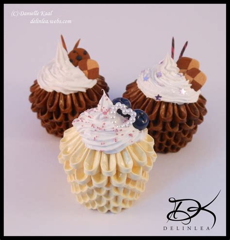 Origami Cupcake - cupcakes 3d origami and decoden by delinlea on deviantart