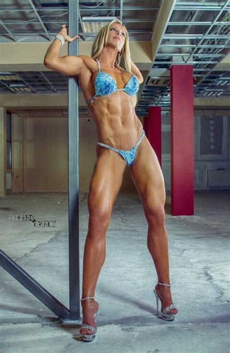 pin  omnifight  gorgeous fighting girls fitness bodybuilding workouts muscle fitness