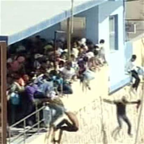 ministero dell interno telefono ledusa sassaiole fra tunisini e isolani il viminale