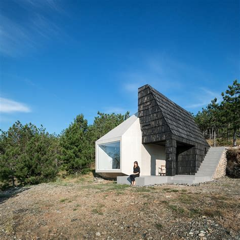 house mountain divcibare mountain house 9 e architect