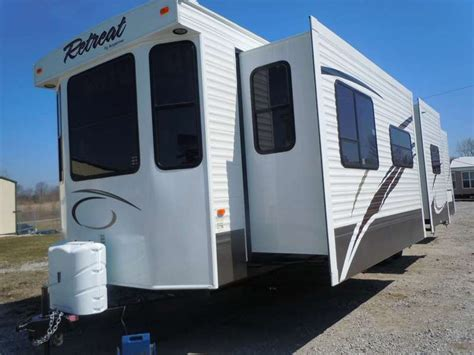 2 bedroom motorhome for sale 2 bedroom rv for sale jayco precept 35s triple slideout