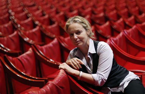 irina brook nice theatre irina brook reste 224 la t 234 te du th 233 226 tre national de nice