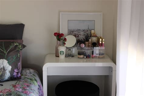 make up bedroom bedroom makeup vanity table the and vanities for bedrooms white furniture interalle com