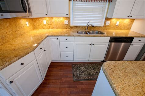 Kitchen Backsplash Ideas Houzz Madura Gold And White Cabinets Traditional Kitchen