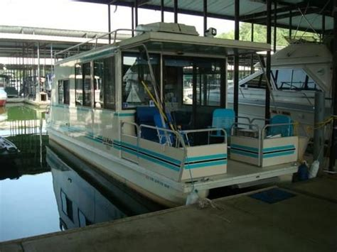 catamaran cruisers lil hobo for sale lil hobo houseboat for sale catamaran cruisers lil hobo