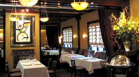chicago style restaurants chicago luxury hotels forbes travel guide