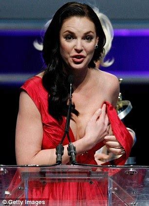hollywoods worst wardrobe malfunctions etonlinecom hollywood celebrities worst wardrobe malfunctions