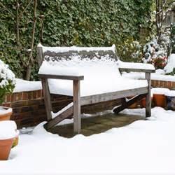 gartenmöbel winterfest gartenm 246 bel winterfest machen livos pflanzen farbe leben