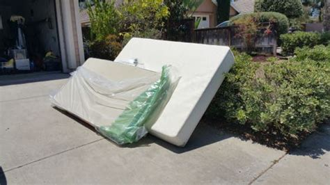 Mattress Removal San Diego by Discount Junk Removal Service San Diego Fred S Junk