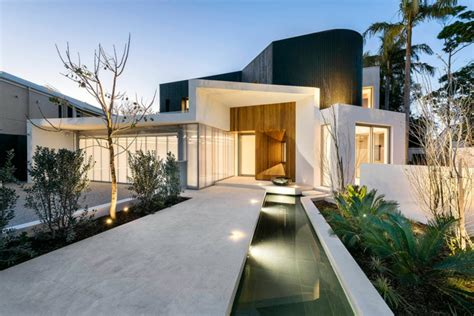 Lim Home Design Renovation Works | arquitectura dise 241 o renovado por hillam arquitectos