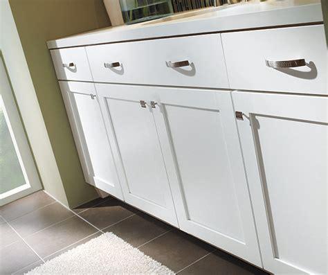 White Shaker Bathroom Cabinets   Diamond Cabinetry