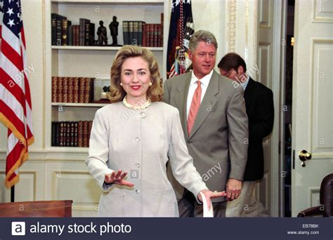 how many homes do the clintons own hillary clinton white house furniture clinton takes white