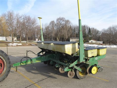 Wisconsin Ag Connection John Deere 7000 Row Crop Deere 7000 Planter