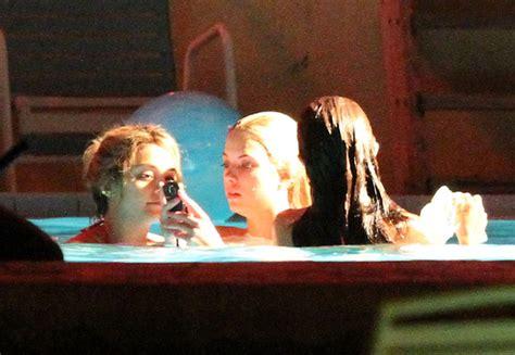 bathtub scene vanessa selena and ashley film a hot tub scene zimbio