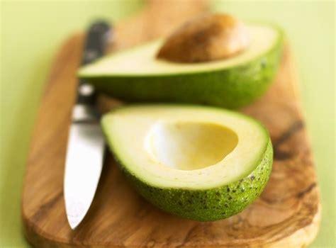 olio di avocado per cucinare olio di avocado propriet 224 ricette e metodo di conservazione