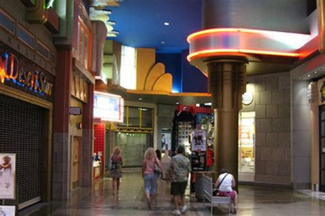 tower shops  stratosphere las vegas shopping review