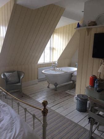 roll top bath in bedroom bath in bedroom