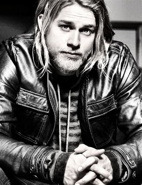 how does jaxx from soa style his hair pop culture and fashion magic charlie hunnam cast as