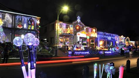 macarthur region gets ready for christmas with stunning