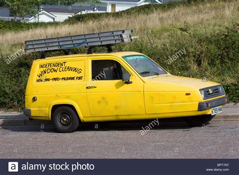 reliant robin boys reliant robin lookalike trotters independant