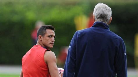 alexis sanchez wenger arsene wenger demands strong start from arsenal football